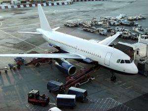 Ako spraviť lietadlo z papiera?