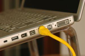 Ako spustiť internet na notebooku?