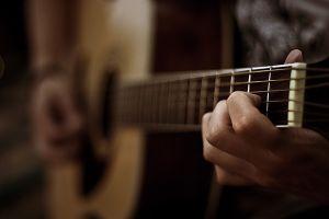Ako začať s gitarou?