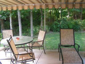 Lacný záhradný nábytok