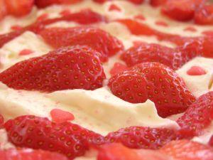 Ako spraviť nepečenú ovocnú tortu?